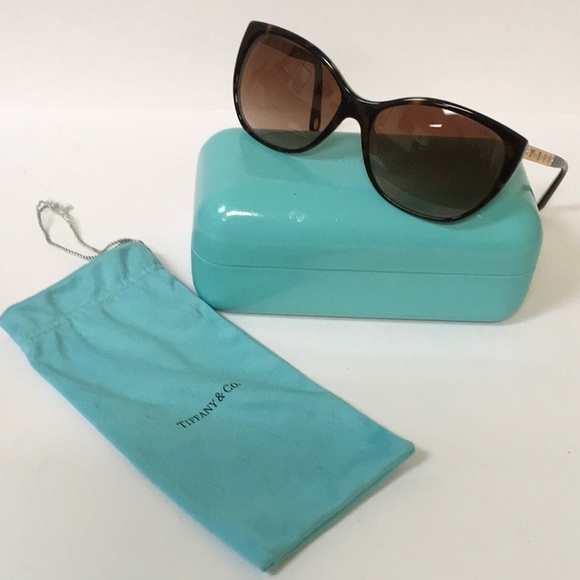 69b27fec70b3 Tiffany   Co. Atlas Cat Eye Sunglasses. M 5a3d3d081dffda202b02108c. Other  Accessories ...
